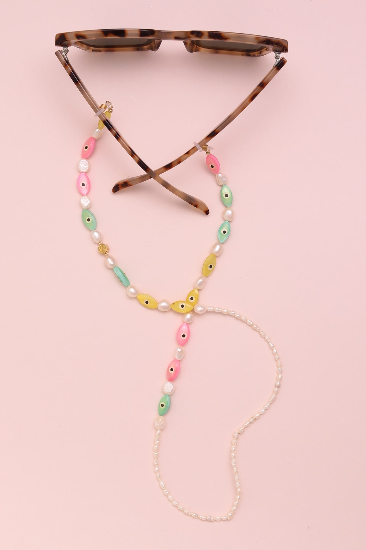 Freshwater pearl glasses clip